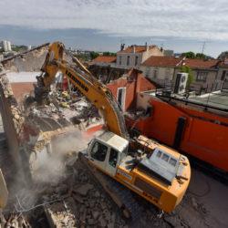 Opération de démolition de bâti