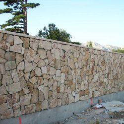 Section 3 - Réalisation des parements pierre le long de l'Ancien Chemin de Cassis.